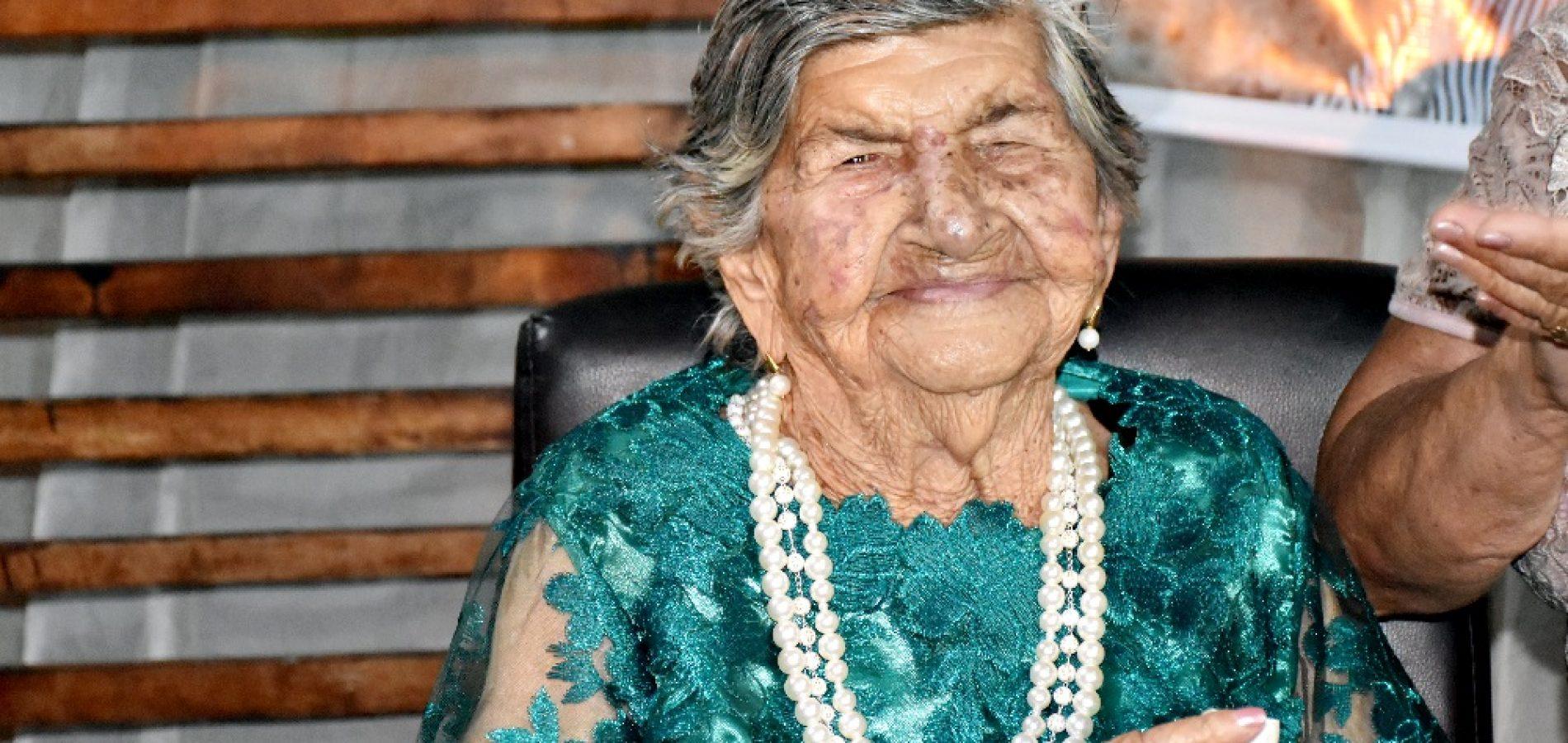 GENTE EM EVIDÊNCIA | Dona Alencar comemora 100 anos com missa e festa em Alegrete do Piauí; fotos
