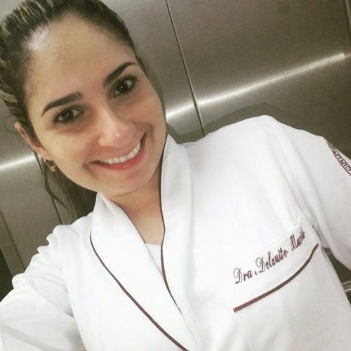 Dentista acusada de racismo falta audiência por falta de veículo