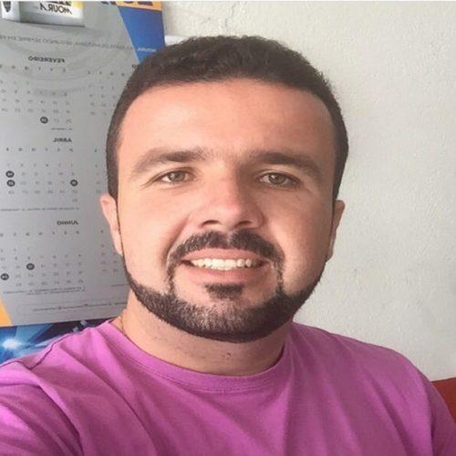 JAICÓS   Pequeno Polegar divulga nota parabenizando ex aluno aprovado para Medicina
