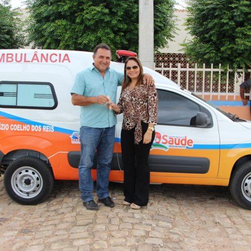 Prefeitura de Patos entrega nova ambulância para a Unidade Básica de Saúde Aluízio Coelho
