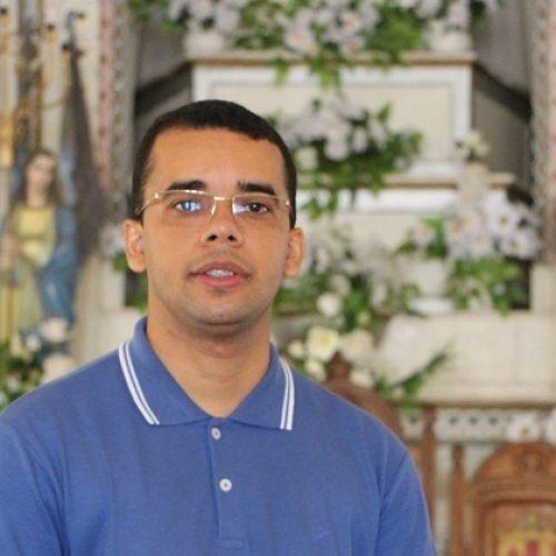 Diácono Cláudio Santana realizará estágio de seis meses na paróquia de Jaicós