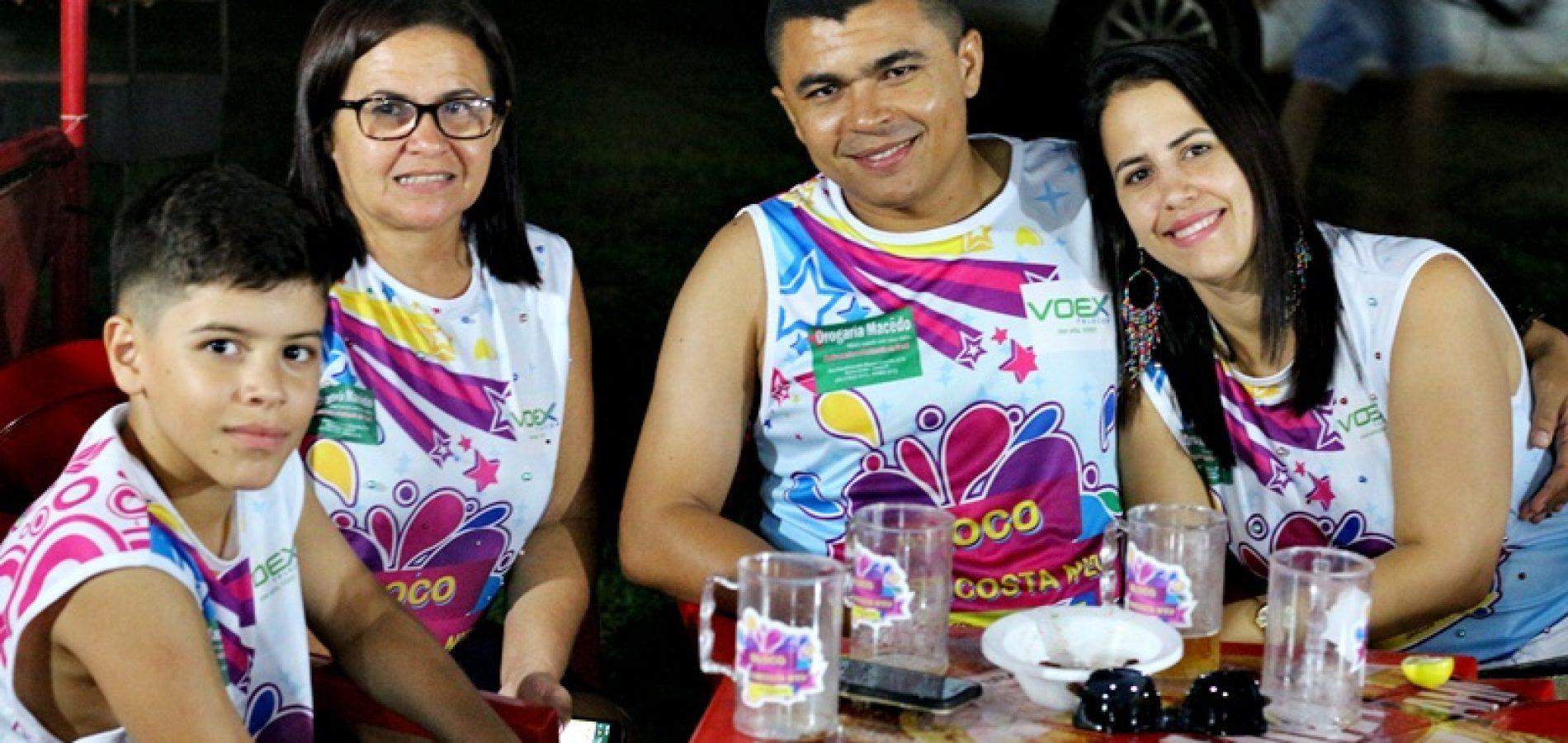 """Confira fotos do encontro de foliões do """"Bloco Encosta N'eu"""" em Jaicós"""