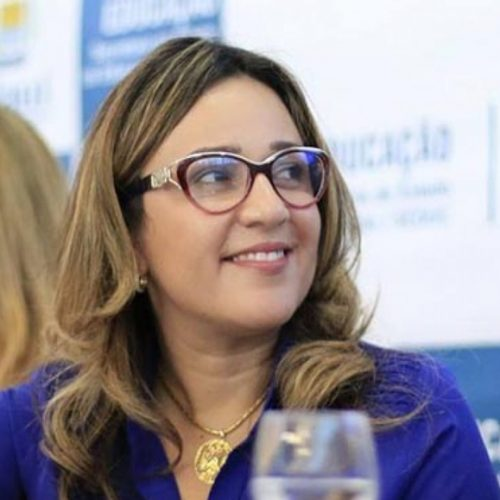 """Deputada Rejane Dias testa positivo novamente para covid-19 e diz que """"carga viral ainda é alta"""""""
