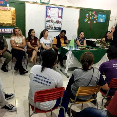 Em Alagoinha, palestra sobre Educação de Jovens e Adultos é realizada na Escola Jonas Nicolau da Rocha