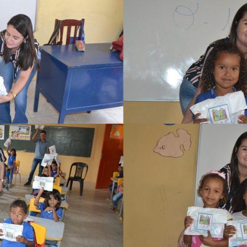 SIMÕES | Secretária de Educação acompanha início das aulas e entrega kit escolar para alunos