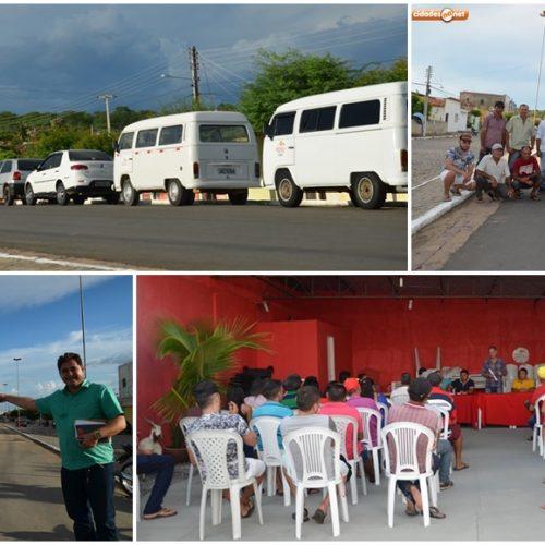 Prefeito de Padre Marcos apresenta frota escolar e discute melhorias em reunião com motoristas