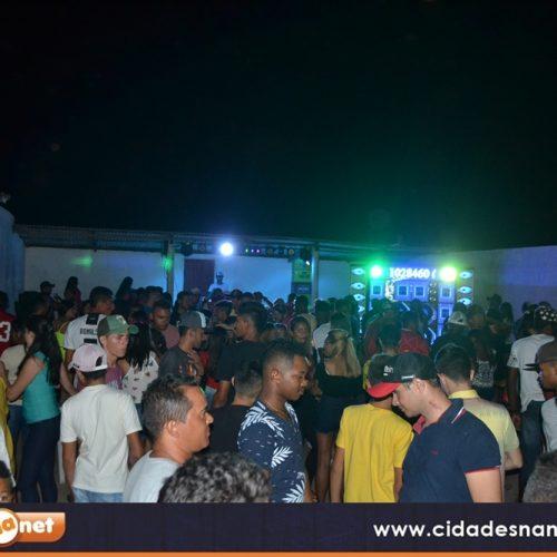 Veja fotos dos shows de Lucas Barão e DJ Júnior na Fazenda Serra em Simões