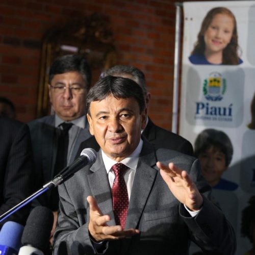 Wellington Dias afirma que não concederá reajuste a professores