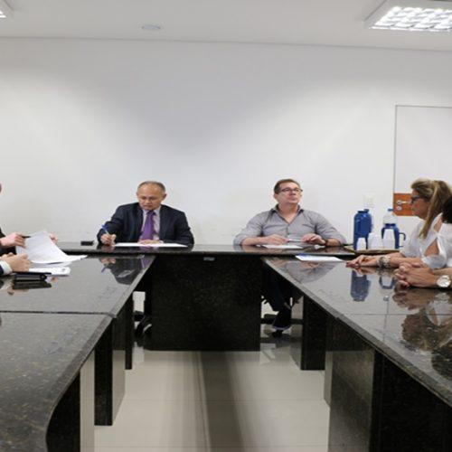 Hospitais ameaçam novamente suspender atendimentos pelo Iaspi/Plamta