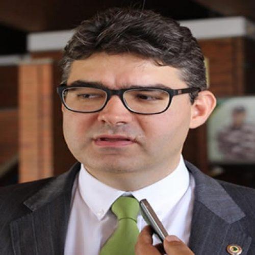 Luciano Nunes afirma que reforma no governo é tímida