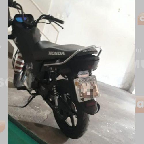 Strans aplica multa em condutor de moto por não usar cinto de segurança