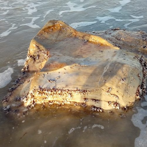 Pacotes misteriosos voltam a encalhar nas praias do Piauí