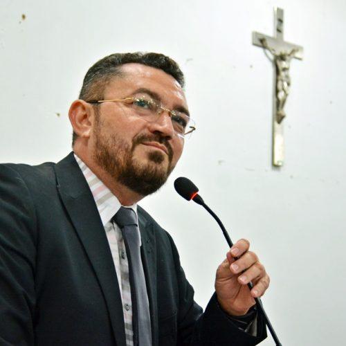 Padre Walmir presta contas à população e afirma que Picos vai continuar avançando em 2019