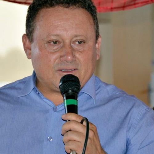 VILA NOVA│Prefeito Edilson Brito concede reajuste salarial aos professores do município
