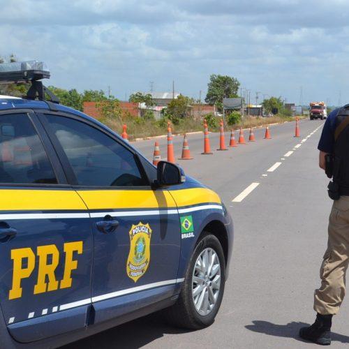 PRF faz alerta sobre a condução de veículos com pista molhada no Piauí