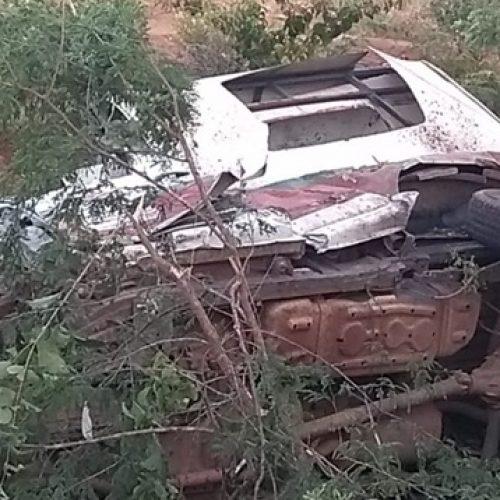 Ambulância de Jacobina do Piauí ficou destruída no acidente; veja fotos