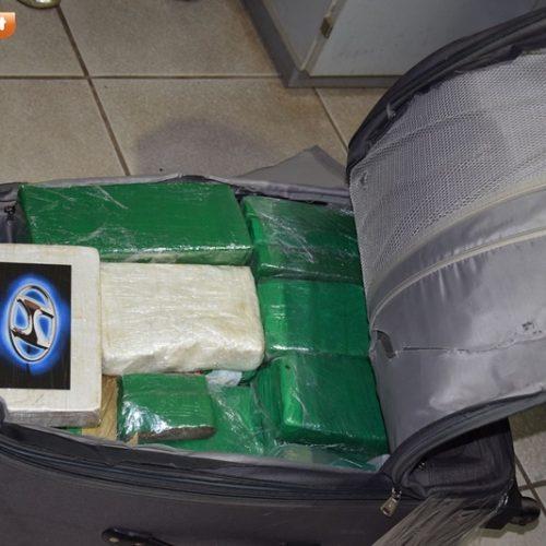 Após denúncia anônima, homem é preso com mala cheia de drogas em Picos