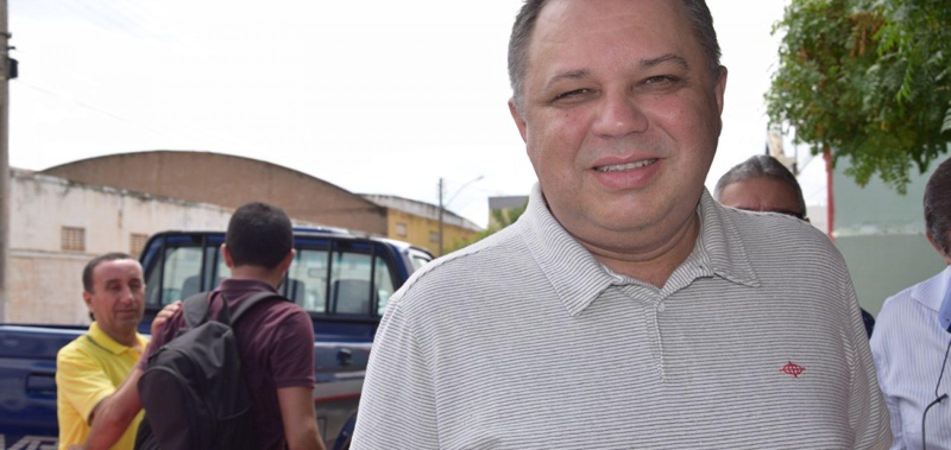 """Secretário Florentino Neto divulga vídeo para """"acalmar"""" enfermeiros grevistas"""