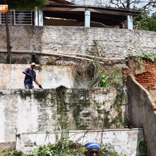 Mutirão da limpeza e combate à dengue chega ao Morro da Mariana em Picos