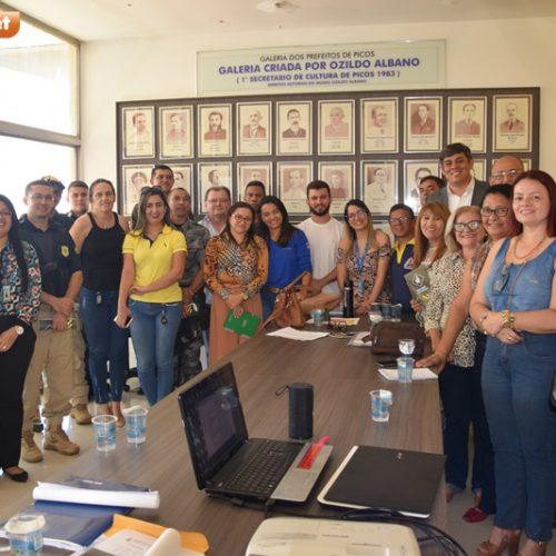 Reunião entre órgãos públicos traçam planos sobre programa 'Vida no Trânsito' para Picos