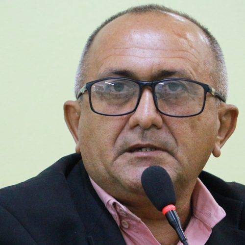 Vereador Divino quer que agricultores de Jaicós possam comercializar produtos em feira livre