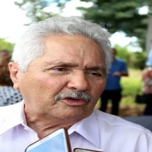 "Elmano anuncia Bolsonaro no Piauí e afirma que presidente é vítima do ""toma lá dá cá"""