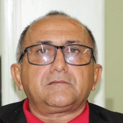 JAICÓS | Vereador Divino Macedo cobra identificação de carros da Gestão Municipal