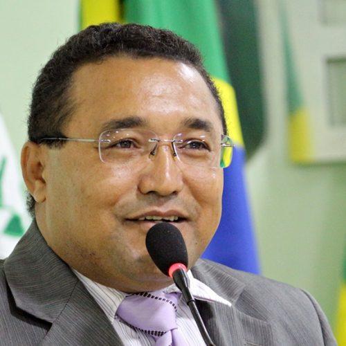 Vereador solicita construção de praça em bairros de Jaicós e recuperação de estrada vicinal