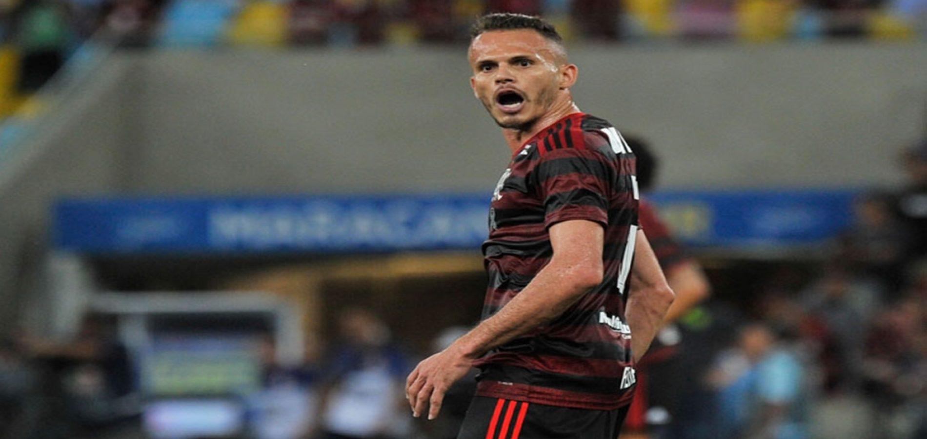 Gol em clássico contra o Fluminense foi apenas o 10º de Renê na carreira