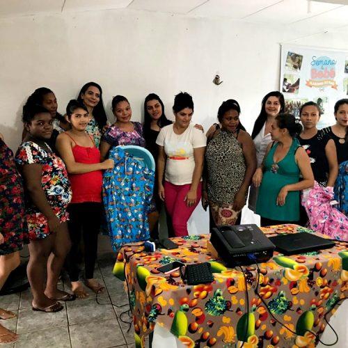 Assistência Social de Alagoinha promove reunião com o grupo 'Mamães Saudáveis' e faz entrega de kits