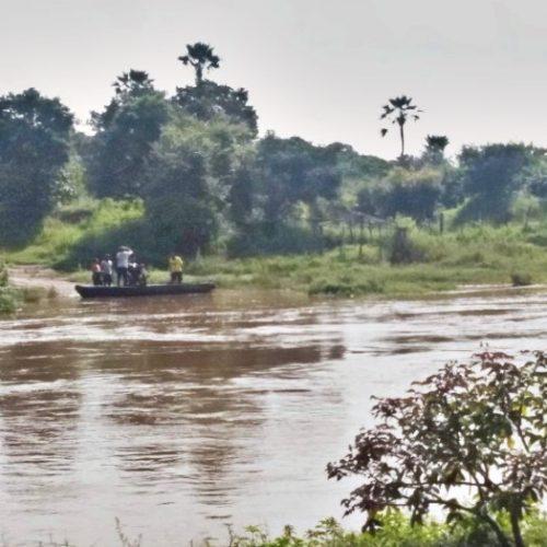 Canoa afunda com trabalhadores e motos em rio no interior do Piauí
