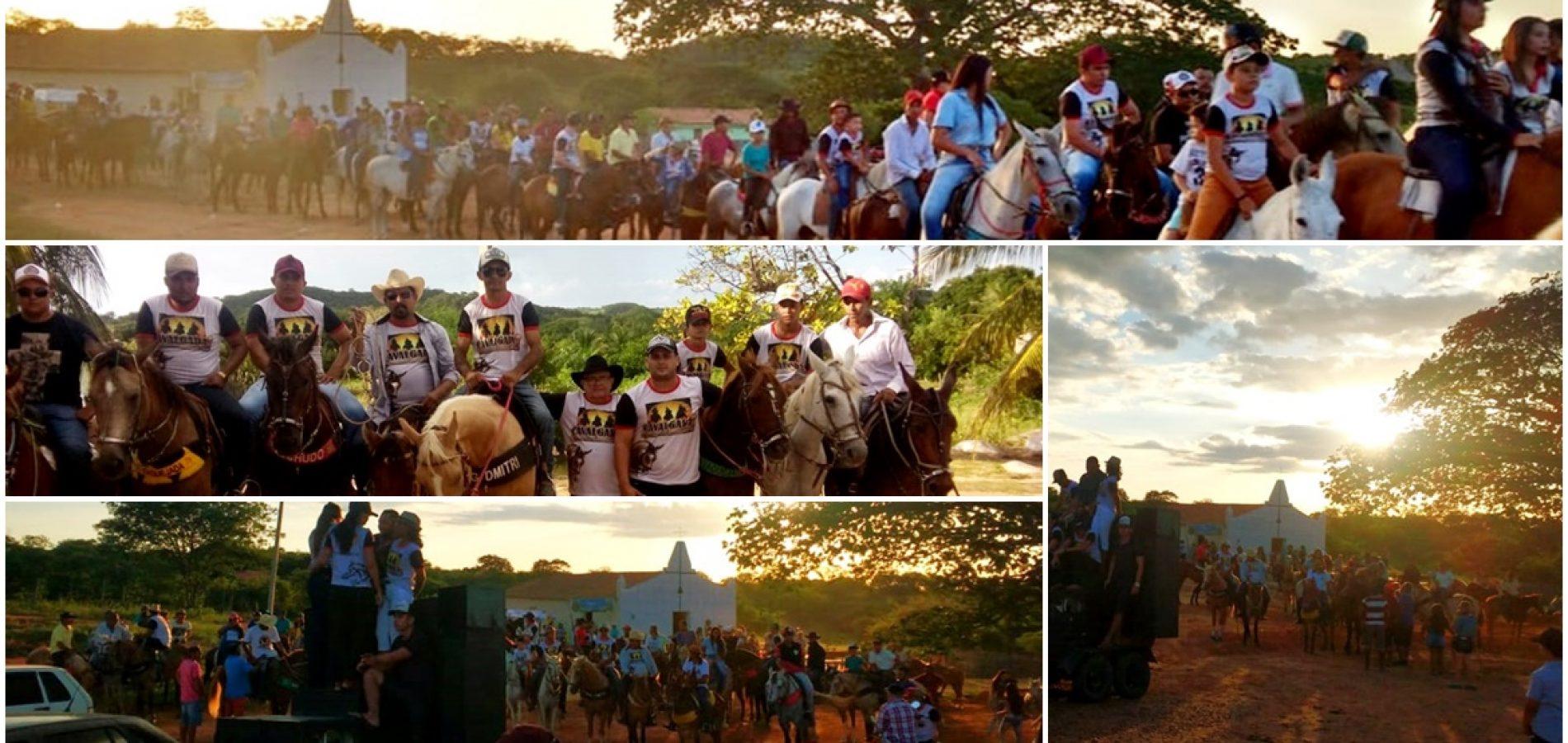 Cavalgada e celebração religiosa marcam 8ª noite do Festejo de São José no povoado Retiro, em Francisco Macedo
