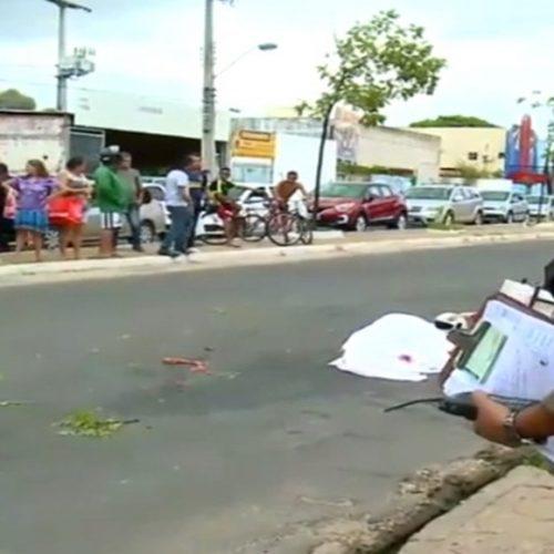 Motociclista morre esmagado por carreta no Piauí
