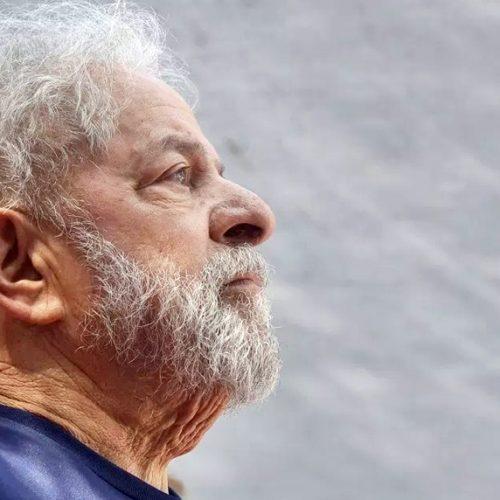 Preso há 1 ano, Lula tem rotina com TV, advogados e vídeos de reuniões do PT