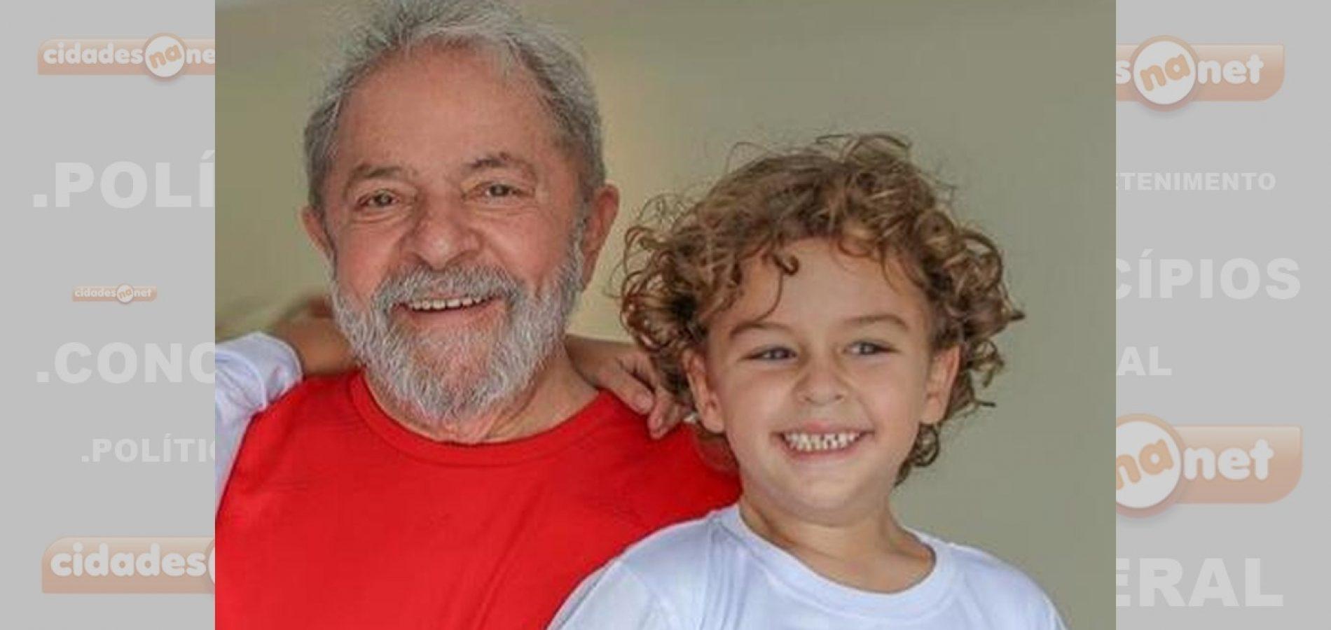 MPF é favorável à saída de Lula para ir a funeral do neto; governo do PR oferece avião para deslocamento