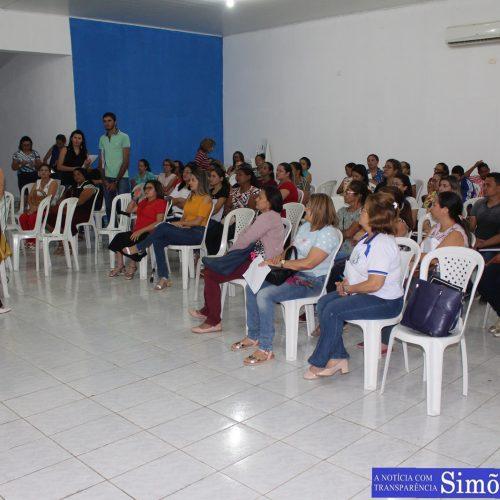 Secretaria de Educação de Simões promove palestra motivacional para gestores da rede municipal