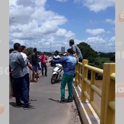 Após não aceita fim do relacionamento, jovem ameaça se jogar de ponte no Piauí