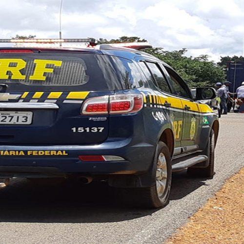 PRF prende condutor com documentação falsa na BR-316 em Picos