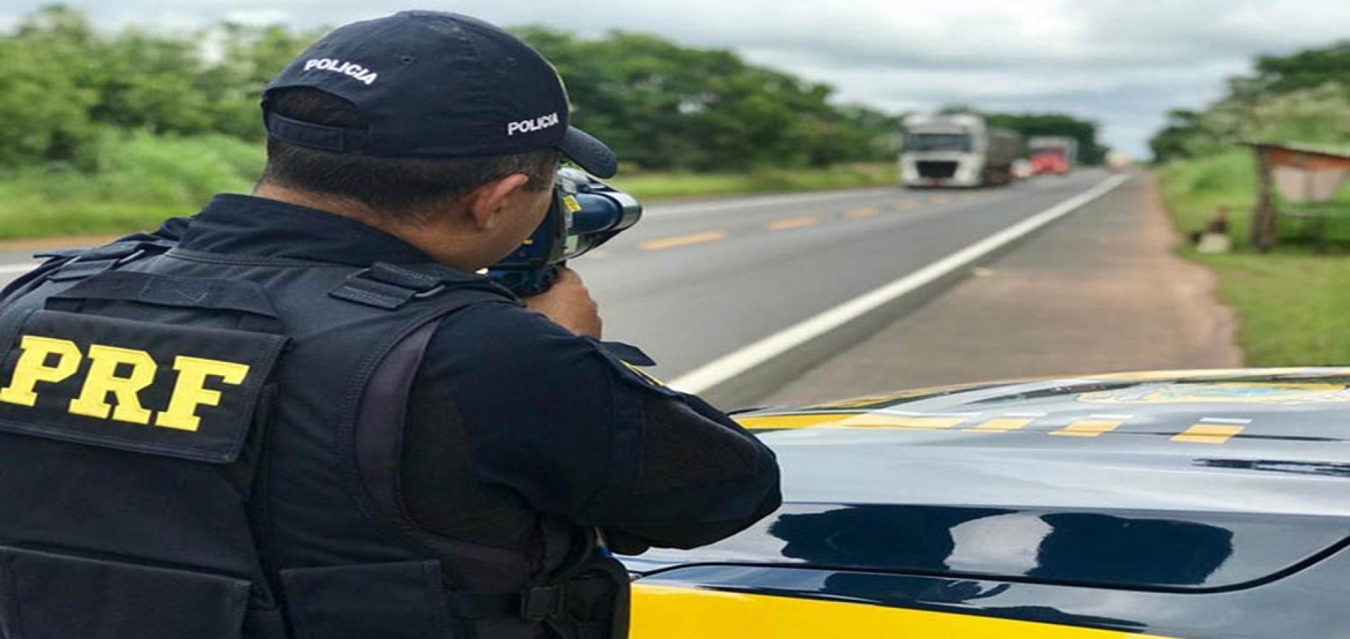 PRF flagra mais de 400 veículos em alta velocidade no 1º dia de Operação