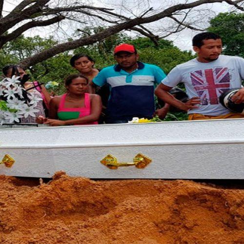 Pai e dois filhos morrem em riacho; mãe grávida presenciou afogamento