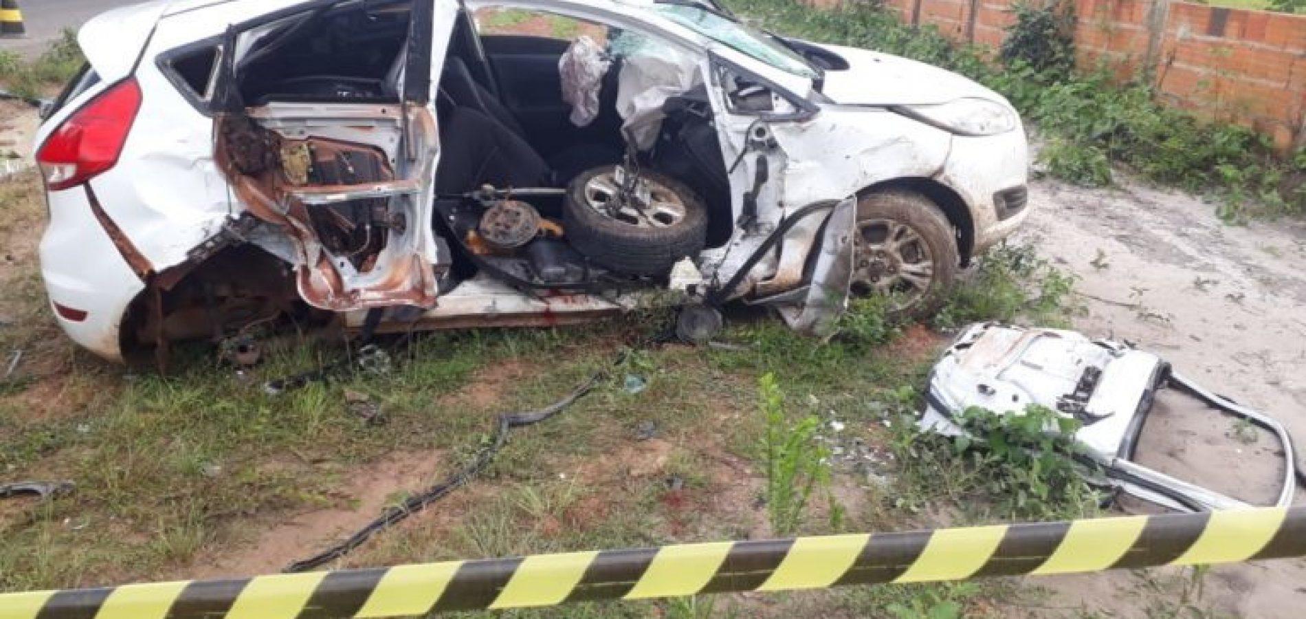 Professor morre e quatro ficam feridos durante colisão seguida de capotamento na PI-113