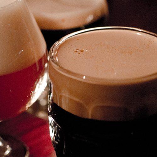 Pesquisadores testam cerveja envelhecida em barris de Amburana e Cabreúva