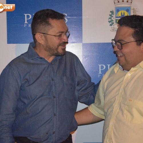 Pe. Walmir firma aliança com grupo político do vereador Afonsinho em Picos