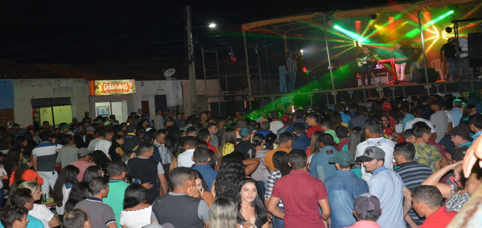 JACOBINA 27 ANOS    Confira as fotos dos shows de Valmir & Zé Jorge, Zé Armando e Zé Vaqueiro