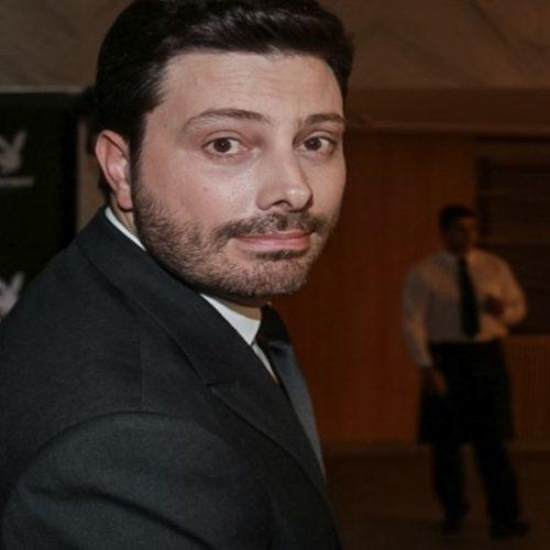 Apresentador do SBT Danilo Gentili  aparece com PM's e avisa: 'Vieram me buscar'