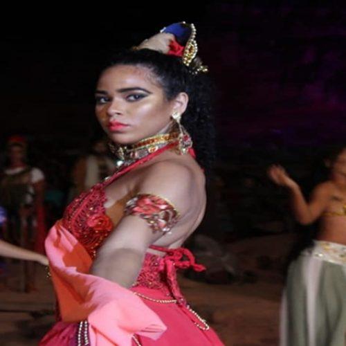 Elana estreia como atriz em Paixão de Cristo no Piauí; fotos