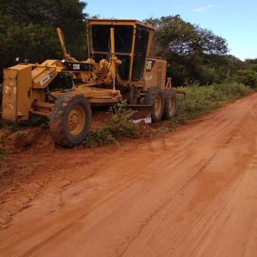 Prefeitura de Jaicós realiza melhorias na estrada que dá acesso ao Morro dos Três Irmãos
