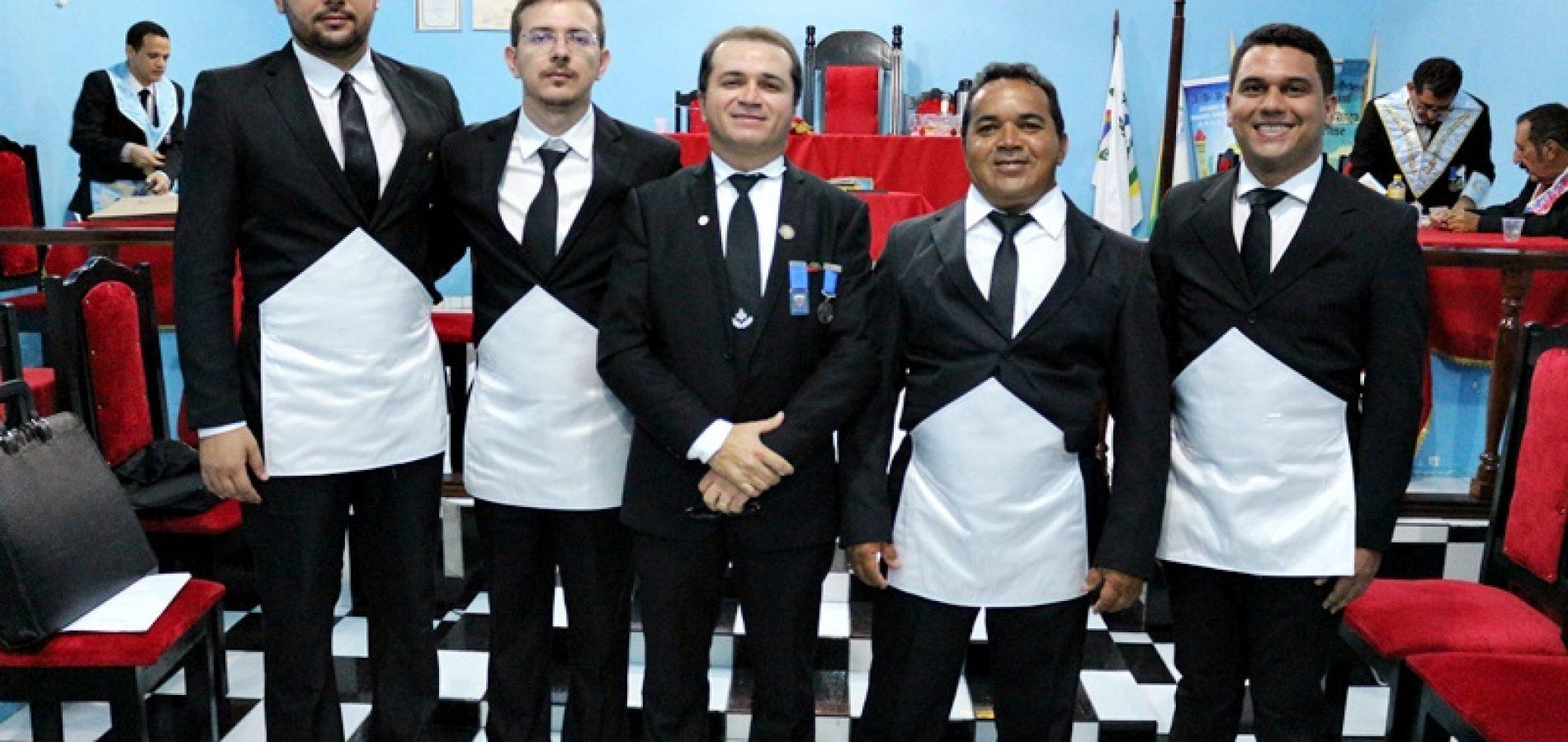 Em Simões, Loja Maçônica inicia quatro novos membros; veja fotos