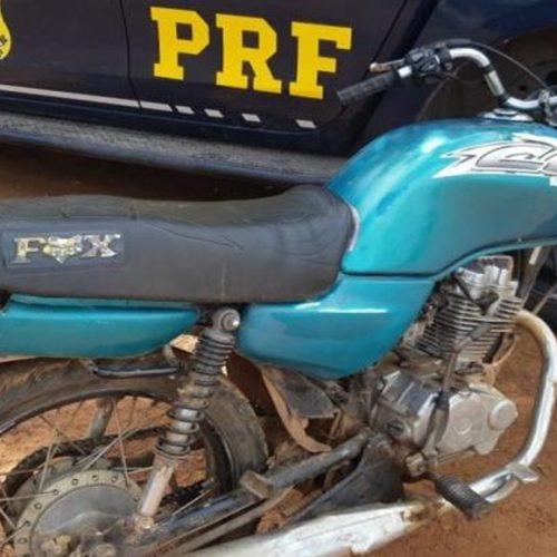 PRF recupera motocicleta roubada na BR 222 no Piauí