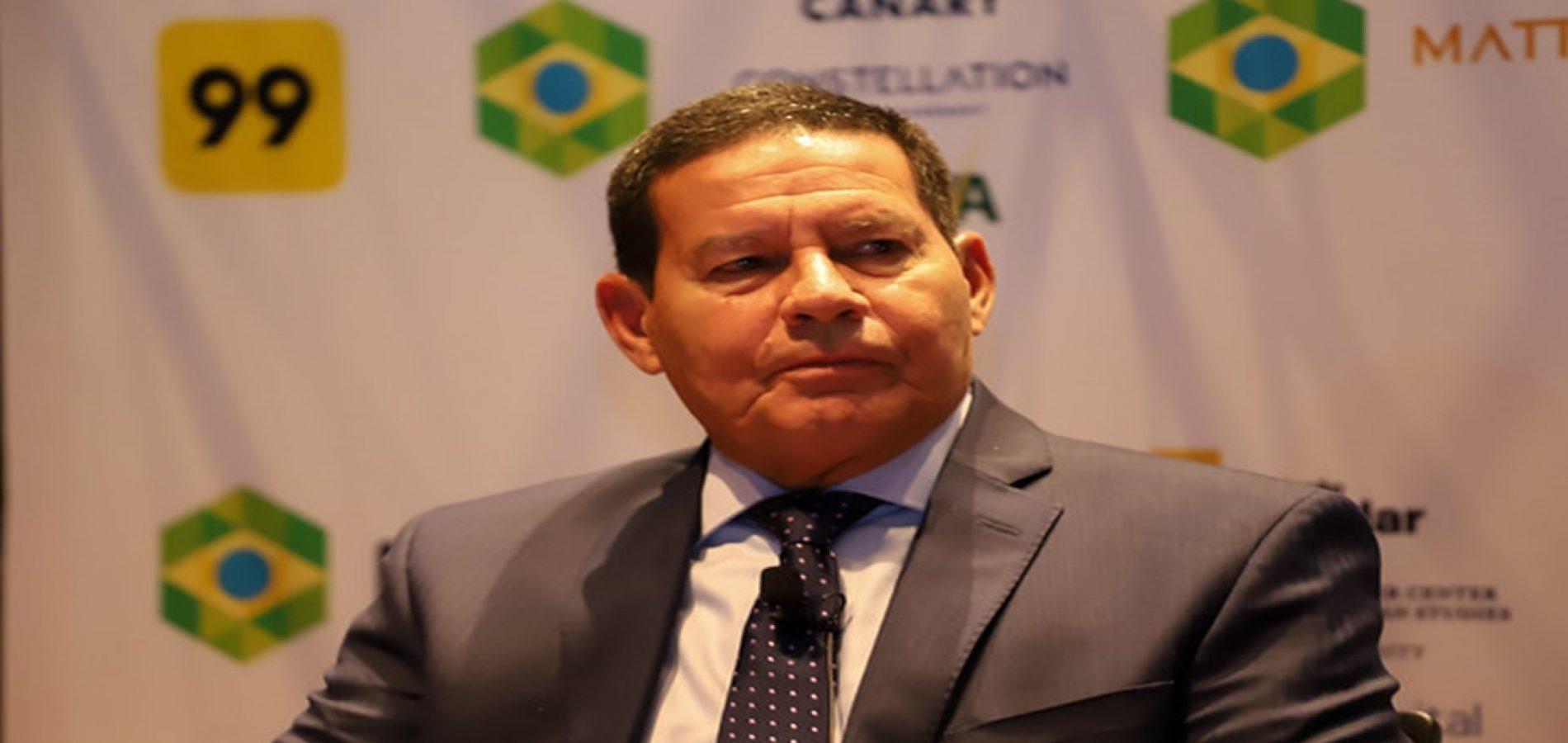 Governo tem falhado na comunicação, diz Mourão sobre bloqueio de verbas